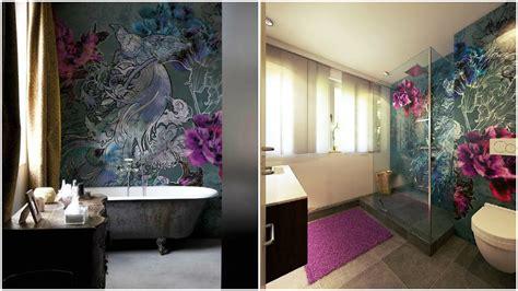 wohlfuehbad mit tapete walldeco im badezimmer design
