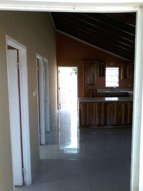 3 Bedroom 2 Bathroom House For Rent by 2 Bedroom 1 Bathroom House For Rent In Magil Palms St