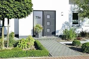 Eingangsbereich Außen Dekorieren : nice eingangsbereich haus ausen eingangsbereich haus aussen dekorieren 16 wunderbar deko ~ Buech-reservation.com Haus und Dekorationen