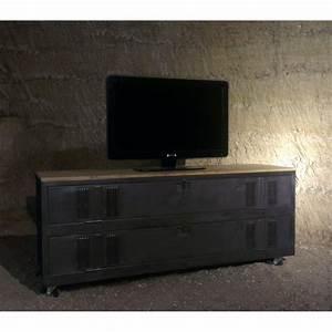 Casier Vestiaire Industriel : meuble tv industriel ou de chaussures avec un ancien vestiaire 2 portes game room pinterest ~ Teatrodelosmanantiales.com Idées de Décoration