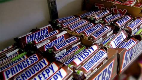 Ideas For Halloween Food Names by New Snickers Packaging Makes It Easier Than Ever To Insult