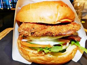 Burger VS Wings + Bar = Epic food fight! - TheSmartLocal