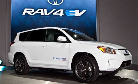 Pacifica Hybrid Review