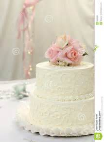 wedding cake with roses wedding cake with roses royalty free stock images image 6045289