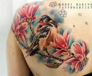 Tatouage Oiseau Homme : tatouage tattoo oiseau fleur modele couleur dos femme ~ Melissatoandfro.com Idées de Décoration