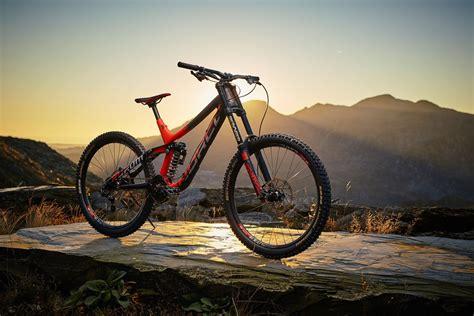 Best New Downhill Bikes 2017 !!! Top 10