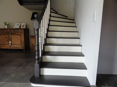 relooker un escalier en chene peindre un escalier atelier des couleurs