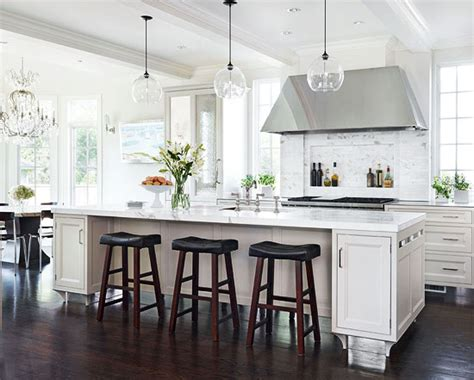 18 White Kitchens {that Are Anything But Boring} Tidbits