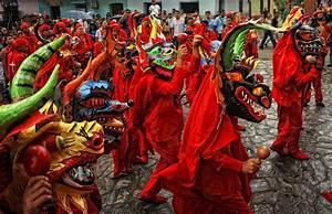 Diablos Danzantes De Yare