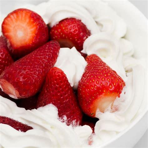 recette cuisine minceur fraises à la chantilly magicmaman com