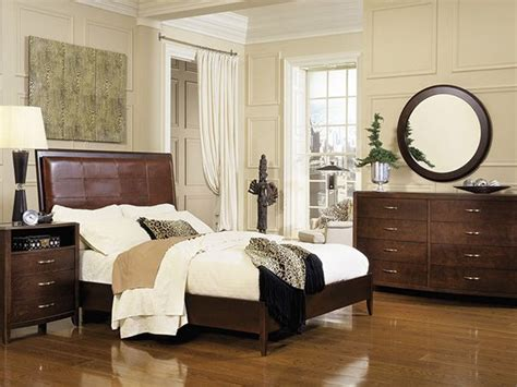 bedroom themes for adults 17 best ideas about adult bedroom decor on pinterest 14440 | 4800e3140e9e50bdcf8d92eaa2e9c278