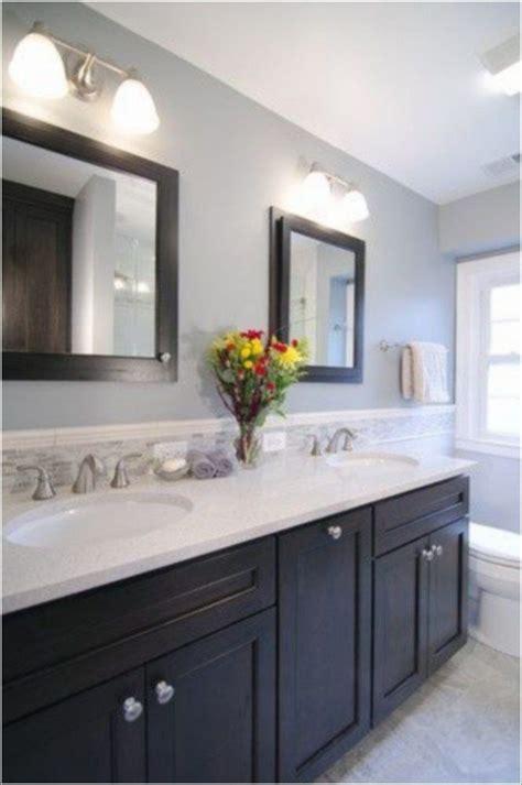 create safe  modern bathroom design upstairs