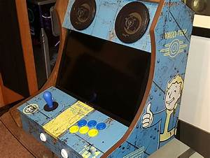 Fan-made Fallout Arcade Cabinet Is Vault Boy-approved