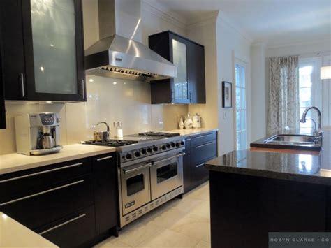 kitchen backsplash toronto top 25 ideas about back painted glass on 2260