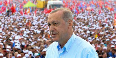 """Le président turc a lancé une offensive en syrie contre les kurdes et nargue désormais l'europe. Turquie : Erdogan dénonce les """"manigances"""" des États-Unis"""