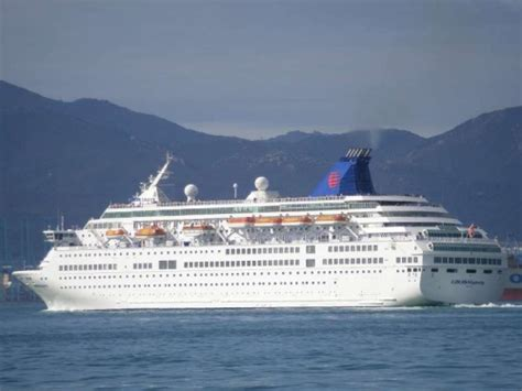 Rogue Waves Kill 2 On Mediterranean Cruise Ship - Novinite.com - Sofia News Agency