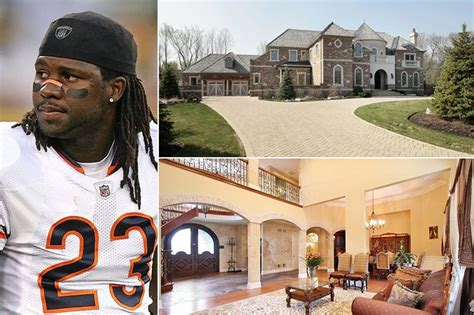 Brees won super bowl xliv with the saints at the end of the 2010 season, being named mvp in the process, and holds several nfl records. 27 NFL Players' Jaw Dropping Houses & Cars - We Hope They Don't Save On Property Insurance ...