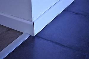 Pose De Plinthe Carrelage : plinthe bois sur carrelage poser des plinthes en carrelage plinthe bois avec carrelage deco ~ Melissatoandfro.com Idées de Décoration