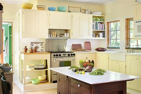 Michigan Lake House   Traditional   Kitchen   Chicago   by