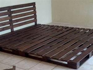 Comment Faire Un Lit En Palette : 34 id es de lit en palette bois a faire pour la chambre ~ Nature-et-papiers.com Idées de Décoration