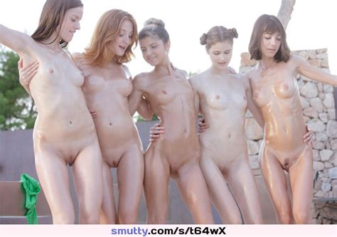 Group Of Young Girls Shows Sexy Nude Oiled Bodys
