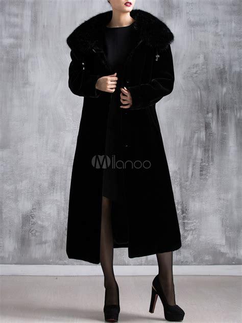 manteau femme long en fausse fourrure de  bouffant