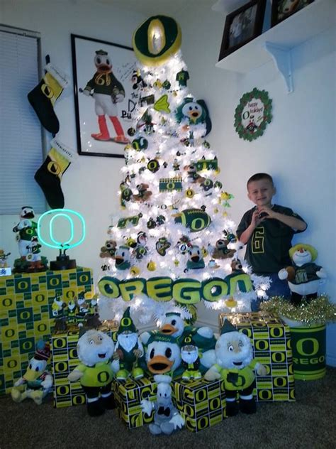 oregon ducks christmas lights i 39 d never do this i love christmassy stuff too much