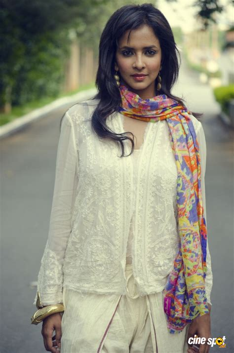 actress lakshmi prasanna manchu lakshmi prasanna actress photos 60