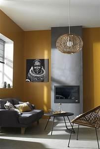 Décoration Salon Jaune Moutarde : le jaune moutarde sur les murs de votre salon c 39 est la tendance du moment cadres miroirs ~ Melissatoandfro.com Idées de Décoration