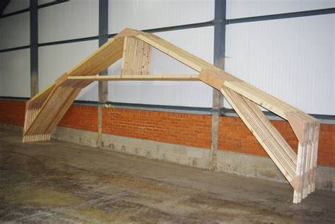 Roof trusses - Building a Skoota-36