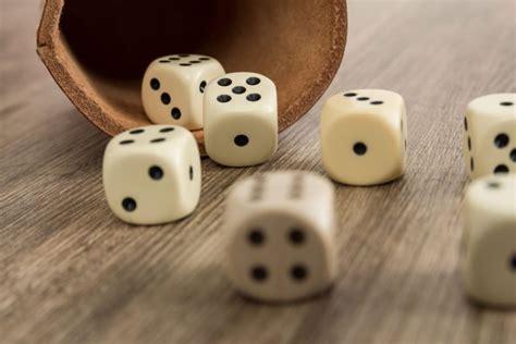 spiele für den urlaub erwachsene spiele und bastelideen f 252 r den urlaub w 252 rfelspiele