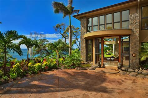 Beach House : Jewel Of Kahana House, Beachside In Maui, Hawaii