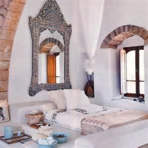moroccan home decor and interior design 40 moroccan themed bedroom decorating ideas decoholic