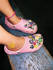 vsco sophiabukowski pink crocs crocs shoes crocs