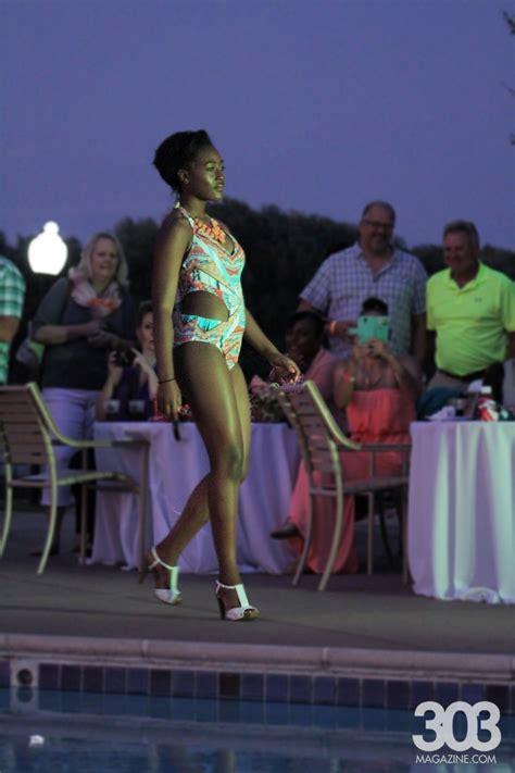 poolside fashion show   breakers resort