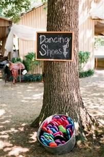 wedding idea websites outdoor wedding ideas with flip flops
