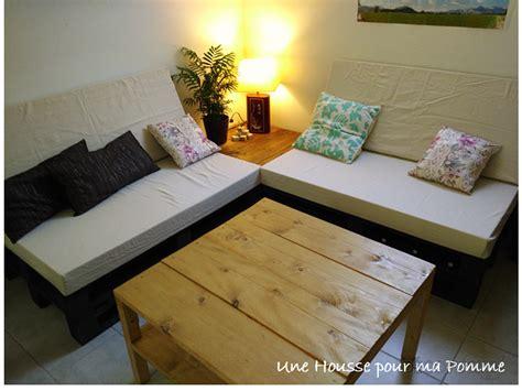 canapé en palette avec dossier 4 housses de canapé palette usage extérieur par une housse