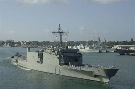 Boat Sales Yards Brisbane by For Sale Australian Ships Aircraft And Armored