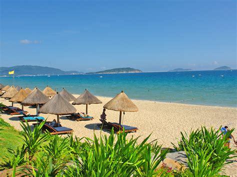 beaches  china sanya en china hainan island summer
