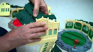 how to assemble tidmouth sheds tomy trackmaster thomas and