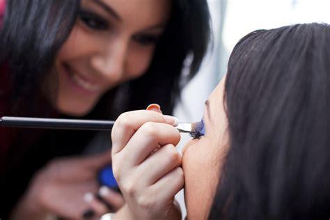 becoming a professional makeup artist becoming a makeup artist beauty advisor beautylish