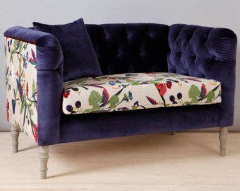 canap tendance des motifs sur le canapé cocon de décoration le