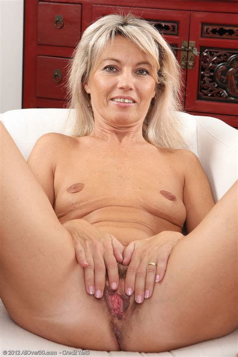 Slutty Blonde Milf Darling Delight Her Beaver Milf Fox