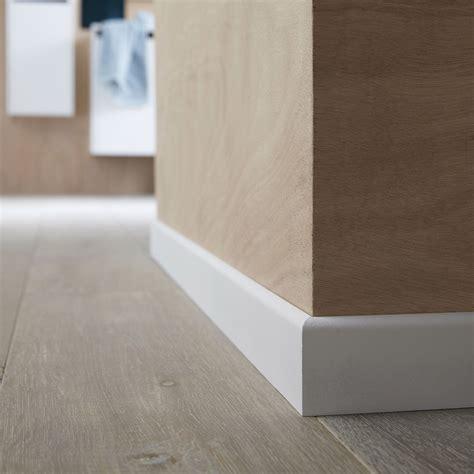 plinthe a gorge carrelage carrelage design 187 poser plinthe carrelage moderne design pour carrelage de sol et rev 234 tement