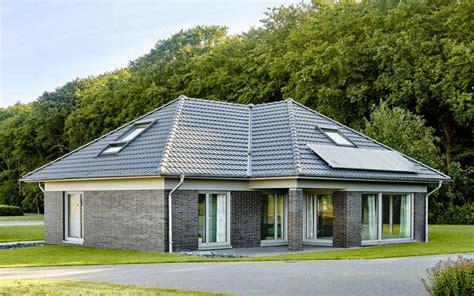 Bungalow Mit Ausgebautem Dach by Winkelbungalow Schl 252 Sselfertig Mit Knapp 160 Qm Grundriss