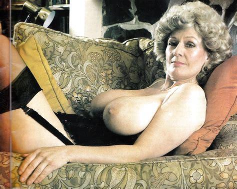 Vintage Boobs Pat Wynn 17 Pics