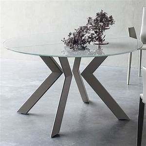 Table Verre Ronde : table ronde design extensible en verre et m tal vale 4 pieds tables chaises et tabourets ~ Teatrodelosmanantiales.com Idées de Décoration