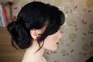 Messy Side Bun Hair Tutorial - YouTube