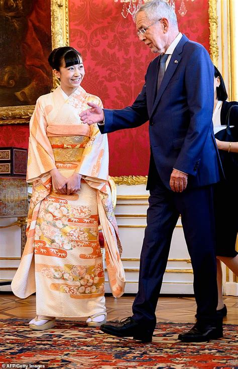 Princess Kako of Japan, 24, meets the Austrian president ...