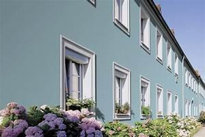 Welche Farbe Für Außenfassade : streich die fassade ein reihenhaus ist ganz und gar nicht langweilig in einem hellen t rkis ~ Sanjose-hotels-ca.com Haus und Dekorationen